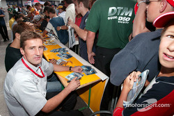 Autograph session: Bernd Schneider