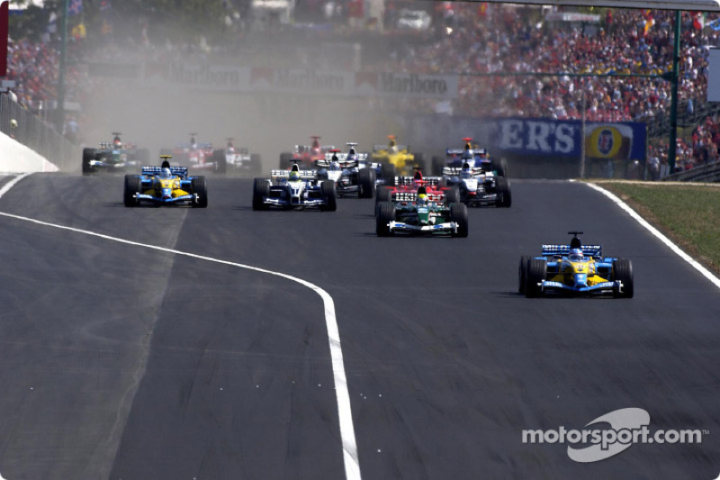 Inicio: Fernando Alonso toma la delantera