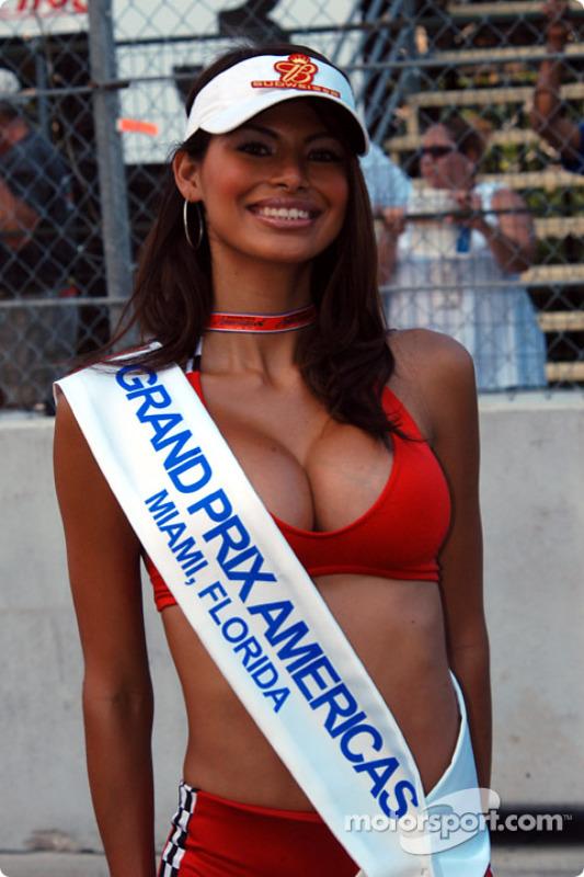 Une belle gridgirl du Grand Prix Americas
