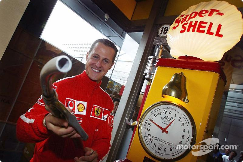 Michael Schumacher en un evento promocional de Shell