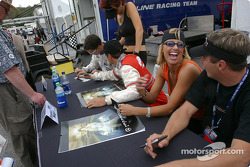 Autograph session: a Hazardous girl with Spencer Pumpelly