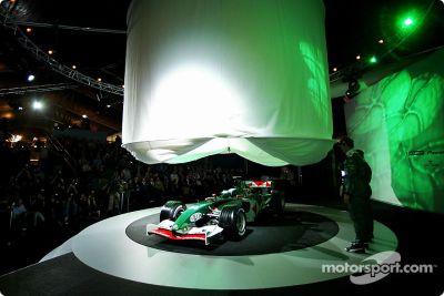 Jaguar R5 launch