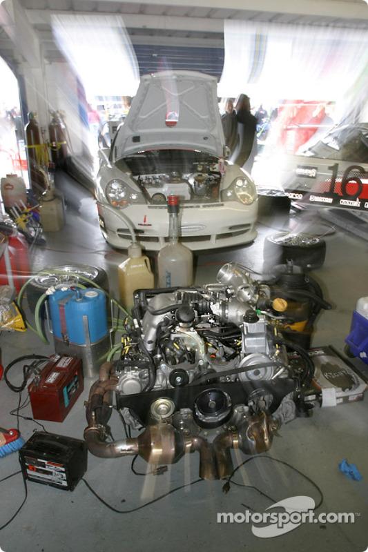 Le moteur de la Porsche GT3 Cup du AASCO Motorsports