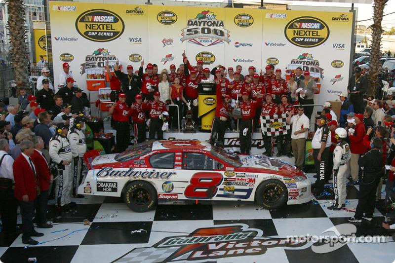 2004: #8 Dale Earnhardt Jr. - Dale Earnhardt, Inc. Chevrolet