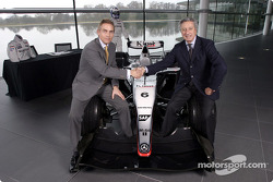 McLaren-Sparco presentation: Martin Whitmarsh ve Diego Basso, McLaren Technology Centre