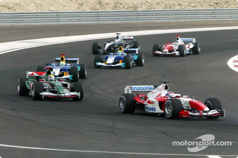 Olivier Panis, Toyota TF104B; Mark Webber, Jaguar R5