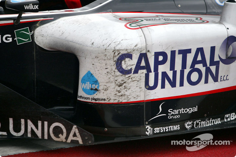 Nach dem Rennen: Minardi PS04B