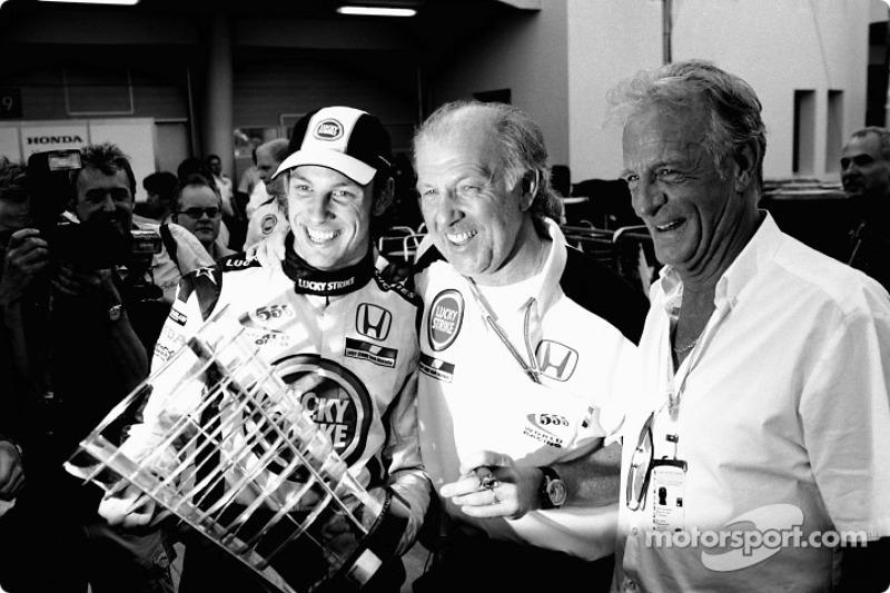 Jenson Button, BAR, mit Vater John Button und Teamchef David Richards