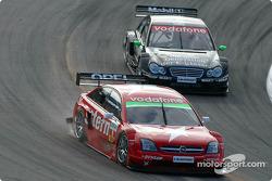 Heinz-Harald Frentzen, OPC Team Holzer, Opel Vectra GTS V8 2004; Gary Paffett, Team HWA, AMG-Mercede