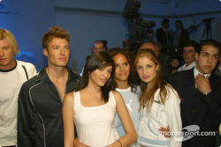 Models wearing BMW WilliamsF1 Team Collection ve PUMA for BMW WilliamsF1 Team Collection