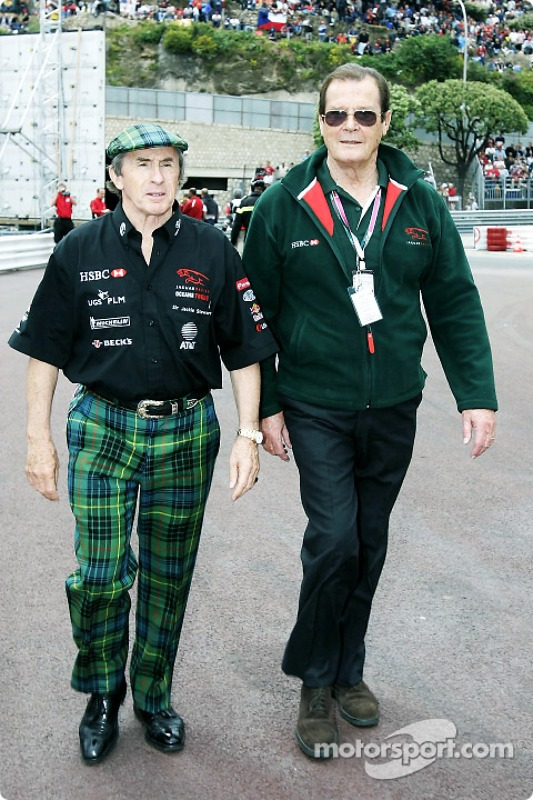 https://cdn-9.motorsport.com/static/img/mgl/100000/150000/159000/159600/159699/s8/f1-monaco-gp-2004-jackie-stewart-and-roger-moore.jpg