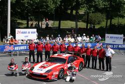 La Ferrari 550 Maranello n°69 de Larbre Compétition (Christian Bouchut, Patrick Goueslard, Olivier Dupard)