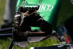 Christian Klien y su Jaguar dañado