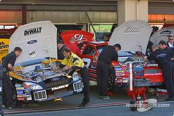 Dale Earnhardt Jr. and Matt Kenseth's crew working