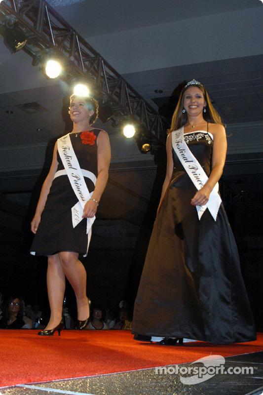 500 Festival Princesses Maggie Kleinhenn and Lauren Petticrew
