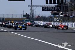 Start: Fernando Alonso and Michael Schumacher