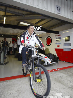G-Cross Honda mountain bike presentation: Takuma Sato
