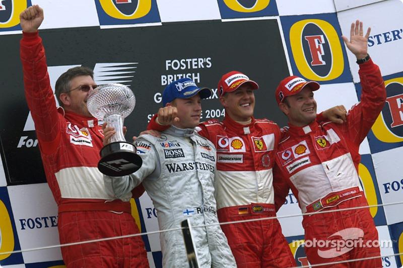 Podio de F1 en Silverstone 2004: 1. Michael Schumacher, 2. Kimi Räikkönen, 3. Rubens Barrichello