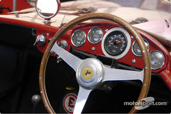 Grille 2-14-Ferrari 750 Monza