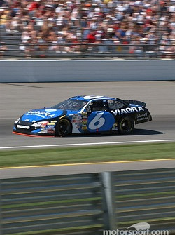 #6 Mark Martin qualifies for the Brickyard 400