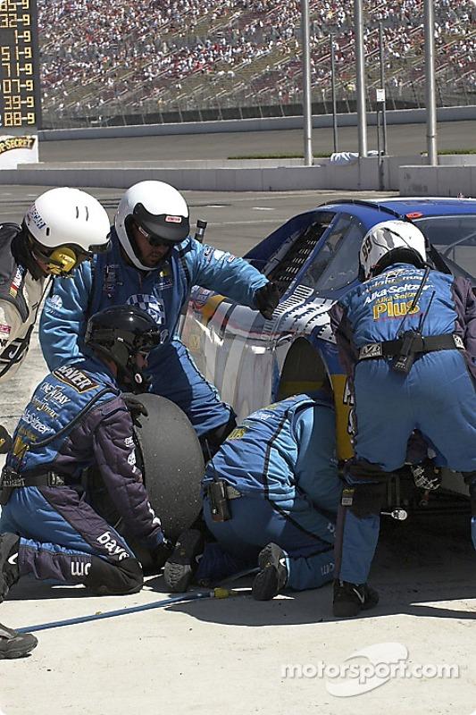 Arrêt aux stands pour Matt Kenseth : ce ne sont pas que les pilotes qui font deux courses ce week-end