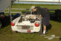 MG Midget 1962 driven by Tom Glanville