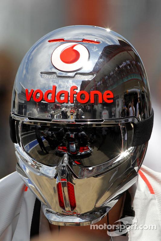 Lewis Hamilton, McLaren Mercedes, reflectie