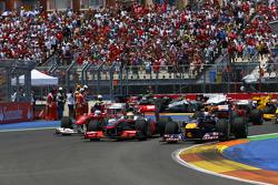 Start of the race, Lewis Hamilton, McLaren Mercedes, Sebastian Vettel, Red Bull Racing