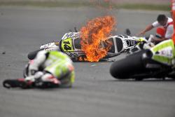 Vlammende motor van Randy De Puniet, LCR Honda MotoGP