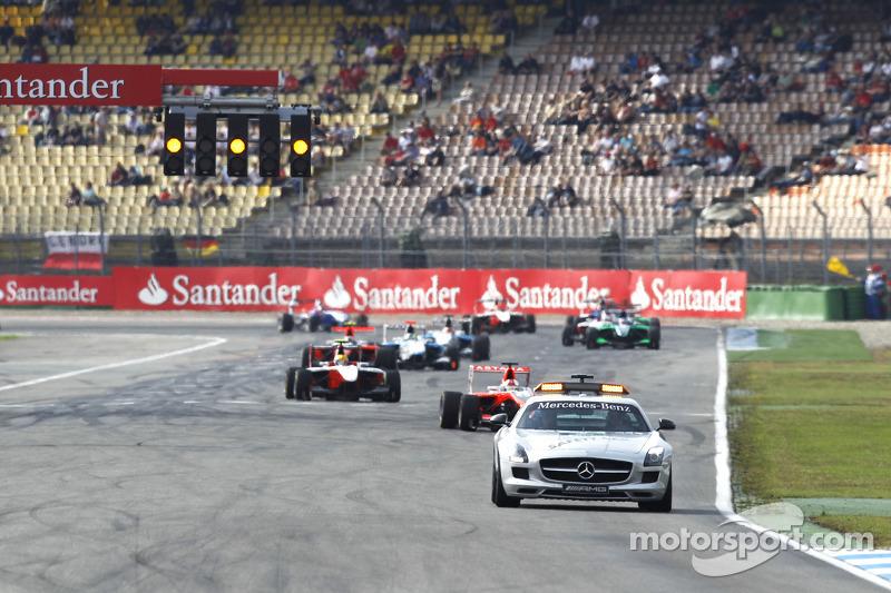 De safety car voor Daniel Juncadella, Esteban Gutierrez