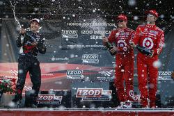 Podium: race winner Scott Dixon, Target Chip Ganassi Racing, second place Will Power, Team Penske, third place Dario Franchitti, Target Chip Ganassi Racing