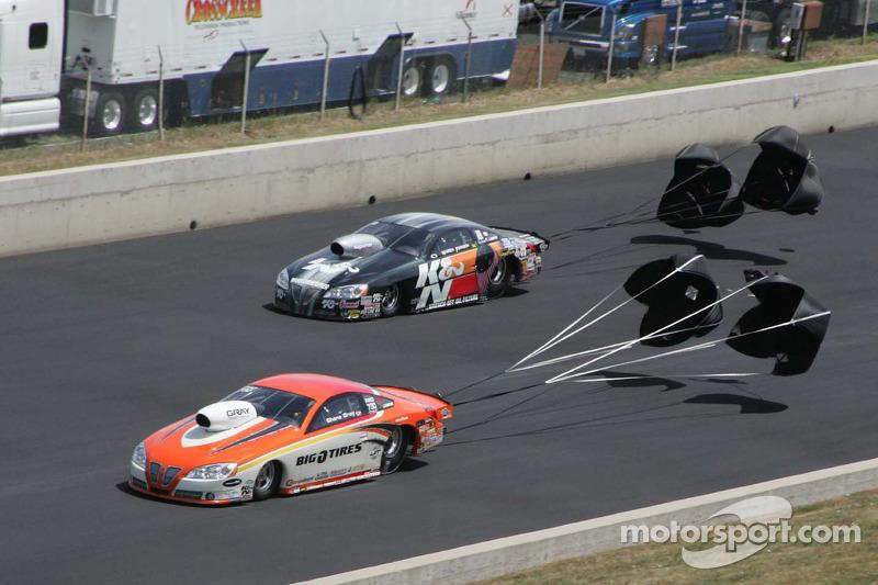 Shane Gray, Tire Kingdom Pontaic GXP en Waren Johnson, K&N Pontiac GXP