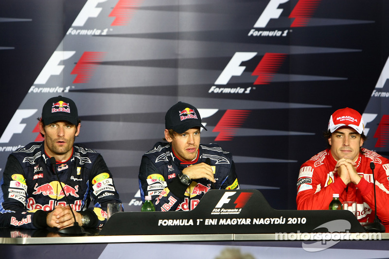 Persconferentie: polezitter Sebastian Vettel, Red Bull Racing, 2de Mark Webber, Red Bull Racing, 3de Fernando Alonso, Scuderia Ferrari