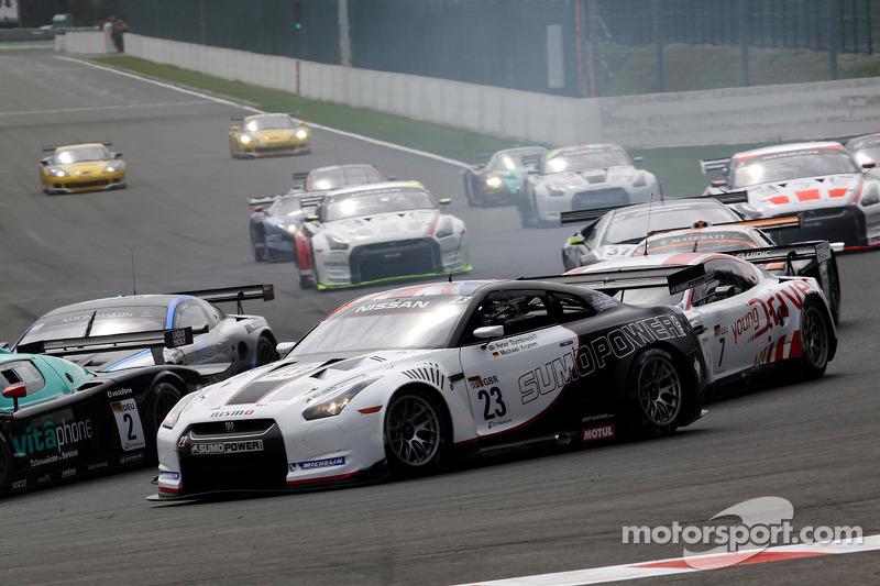 Start: #23 Sumo Power GT Nissan GT-R: Michael Krumm, Peter Dumbreck