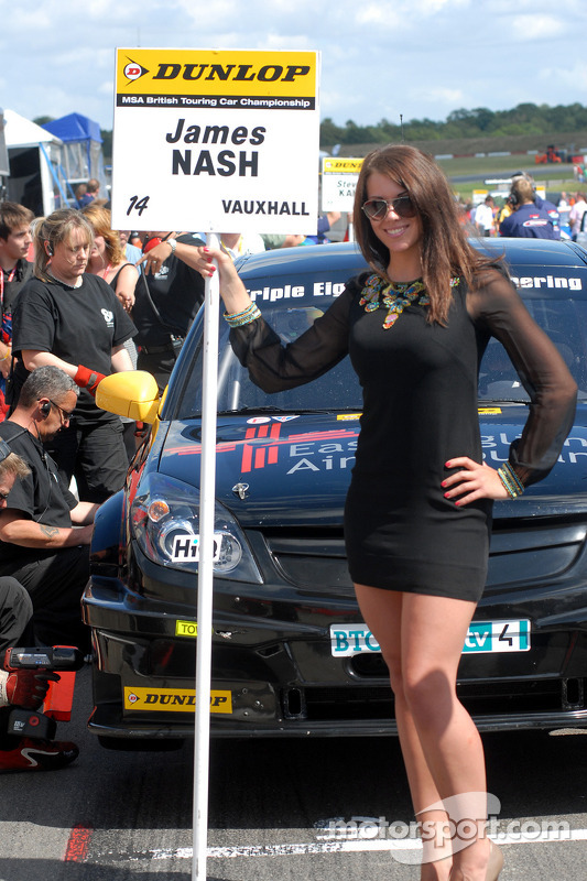 Sophie Fisher, gridgirl James Nash