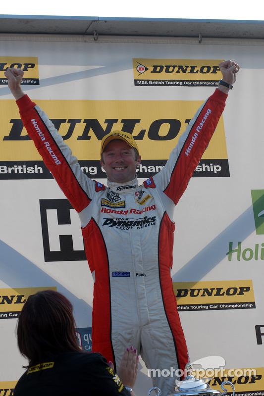 Race winnaar Gordon Shedden