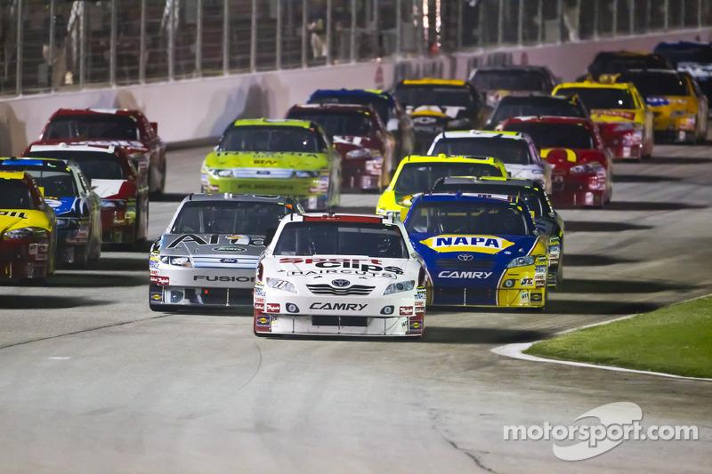 Denny Hamlin, Joe Gibbs Racing Toyota à l'avant