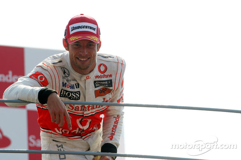 Подіум: другий призер Дженсон Баттон, McLaren Mercedes