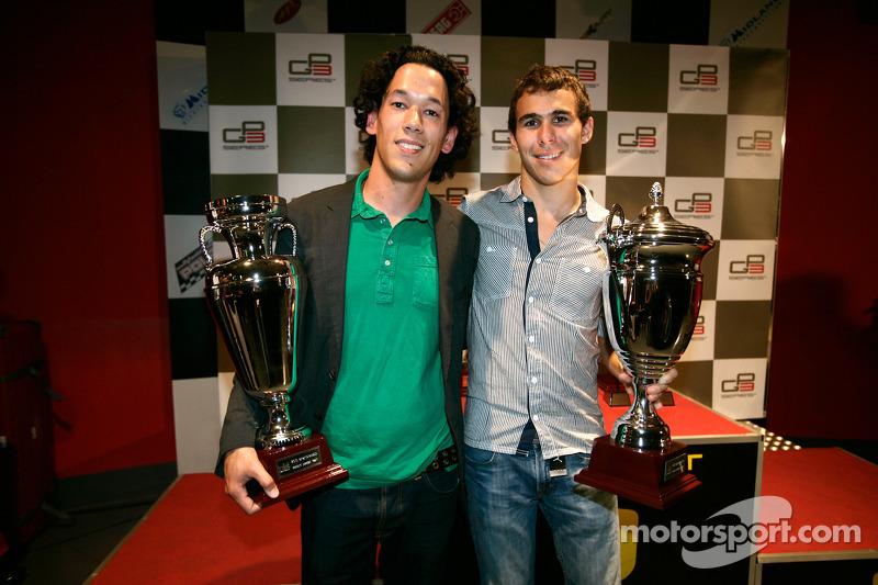 Teddy Yip van Status Grand Prix, prijs 2de plaats kampioenschap teams met Robert Wickens trofee 2de plaats rijders