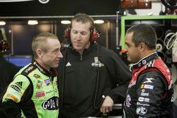 Mark Martin, Hendrick Motorsports Chevrolet and Juan Pablo Montoya, Earnhardt Ganassi Racing Chevrolet