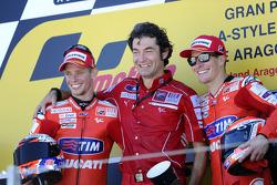 Podium: race winner Casey Stoner, Ducati Marlboro Team, third place Nicky Hayden, Ducati Marlboro Team