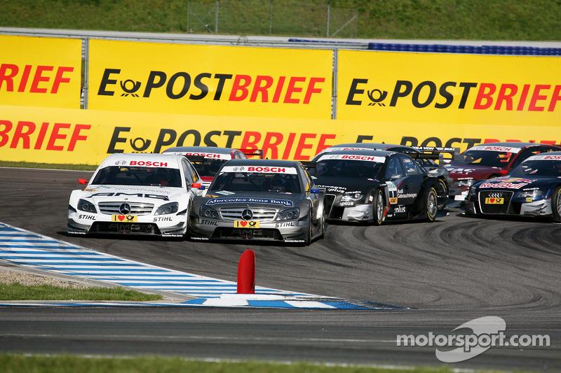 Start: Paul di Resta, Team HWA AMG Mercedes C-Klasse en Bruno Spengler, Team HWA AMG Mercedes C-Klas
