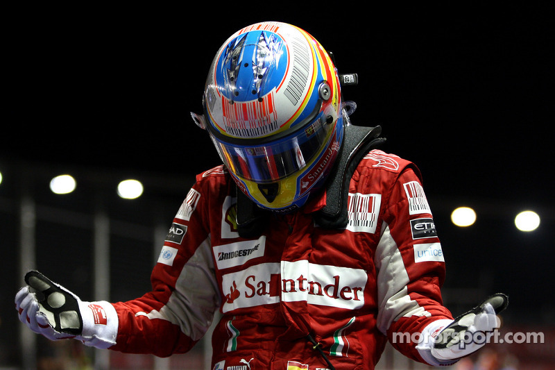Grand Chelem (pole, victoria, vuelta rápida y liderar todas las vueltas): 1 (Singapur 2010)
