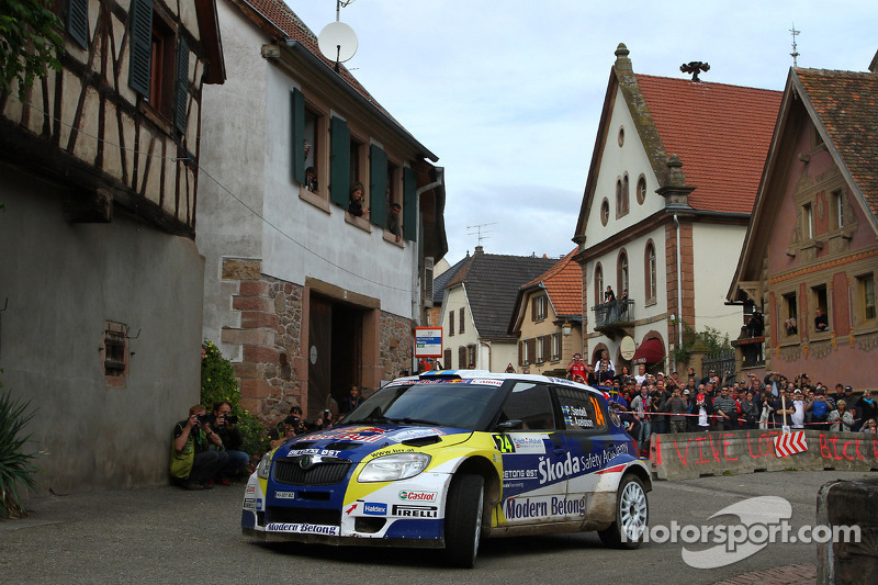 Patrik Sandell et Emil Axelsson, Skoda Fabia S2000, Red Bull Rallye Team