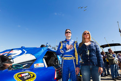 Kurt Busch, Penske Racing Dodge and wife Eva