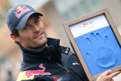 Mark Webber, Red Bull Racing, hand printing session