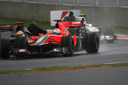 Lucas di Grassi, Virgin Racing and Sebastien Buemi, Scuderia Toro Rosso, accident