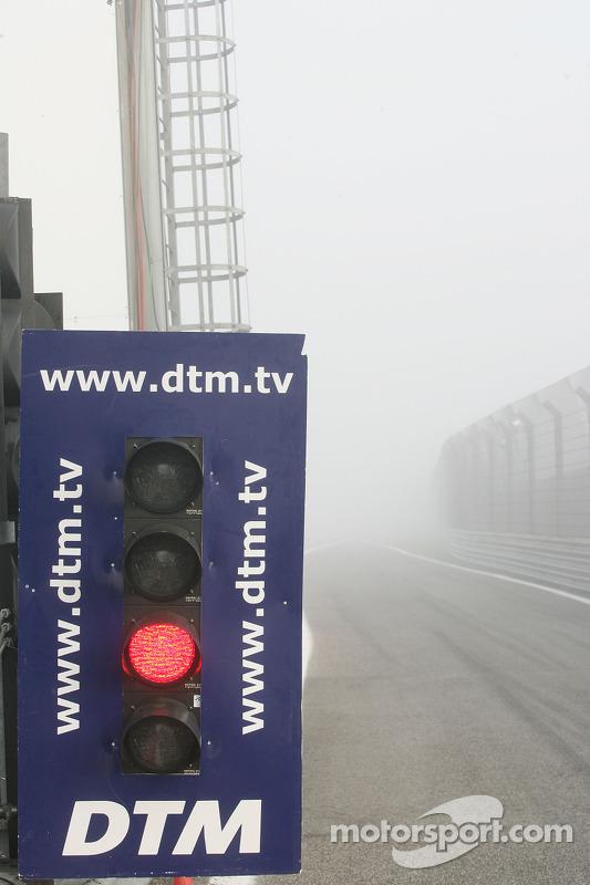 Start uitgesteld door mist