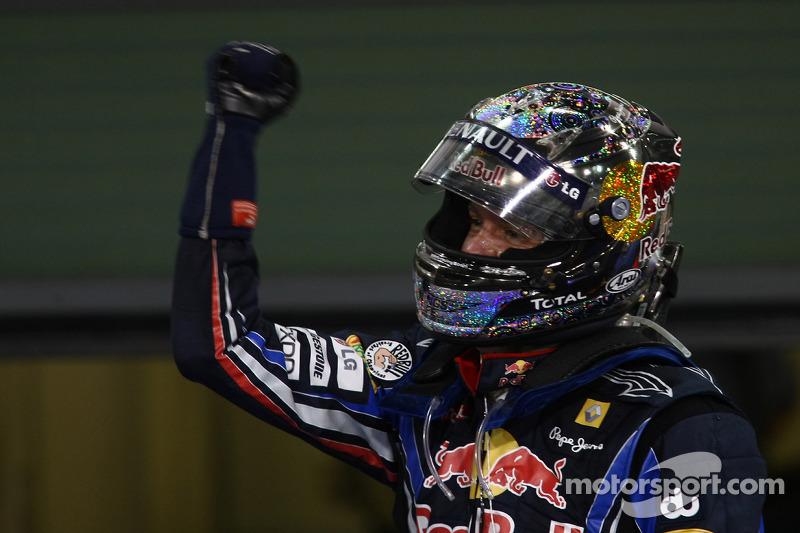"""2010 - Sebastian Vettel, Red Bull (<a href=""""http://fr.motorsport.com/f1/photos/main-gallery/?r=23202"""">Galerie</a>)"""