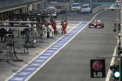 Fernando Alonso, Scuderia Ferrari, pitstop
